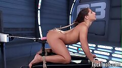 Restrained babe pussy played by dildo machine