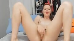 sexy cheerleader plays her pussy